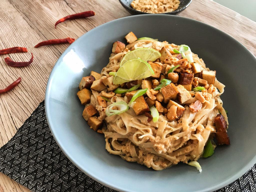 rýžové nudle s arašídovou omáčkou